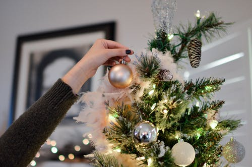 10 Simple Christmas Decorating Tips